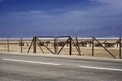 Totes Dorf in einer Wüste durch das Tote Meer Stockfotos
