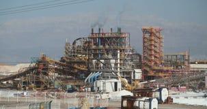 Totes Meer bearbeitet chemische Fabrik für Mineralien und Düngemittel, Totes Meer in Israel stock footage