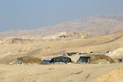 Totes Meer, Jordanien - 24. Dezember 2015: Nomadenvolk, das durch das Tote Meer lebt Stockbild