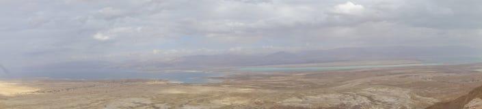 Totes Meer während des Winters von Masada-Gipfel Stockfotos