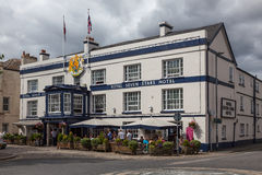 TOTNES, DEVOV/UK - 7月29日:Totnes的皇家七个星旅馆我 免版税库存照片