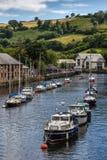 TOTNES, DEVOV/UK - 29. JULI: Boote auf dem Fluss schießen bei Totnes O Lizenzfreie Stockfotografie