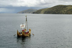 Totora boat on the Titicaca Lake Royalty Free Stock Photos