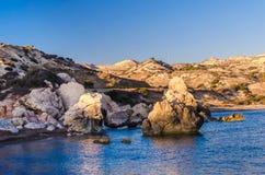 Tou της Petra κόλπων Romiou, Aphrodite& x27 βράχος του s, Κύπρος Στοκ Εικόνες