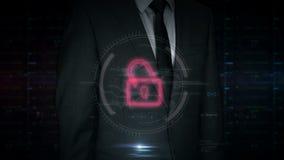 Touch screen dell'uomo d'affari con l'ologramma cyber del cranio e di attacco archivi video