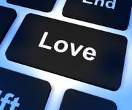 Touche d'ordinateur d'amour montrant aimer et Romance pour des valentines Photographie stock