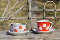 Toujours la vie rustique avec des tasses de thé Photographie stock