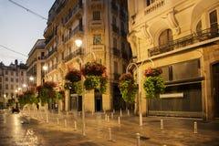 Toulon, evening zakupy ulicę fotografia stock