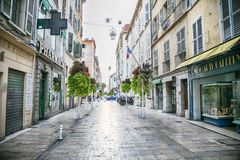 Toulon, Francja, 6 august 2018, uliczny Ruciany Jean Jaurès, obraz stock