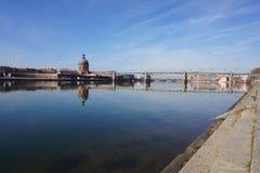 Toulouse durch den Fluss Lizenzfreie Stockfotos