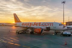 TOULOUSE, FRANCE - FEBRUARY 17, 2016: Airbus A320 EasyJet taxiing for take off at Toulouse-Blagnac airport in Toulouse Royalty Free Stock Photos
