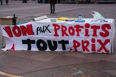 TOULOUSE, FRANCE - OCTOBRE 29,2017 : Les activistes s'opposant à la réouverture de la mine de tungstène de Salau dans les Frances image libre de droits