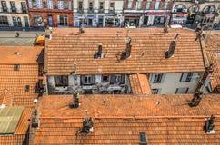 Toulouse, terracota Fliesen auf die Dachoberseiten lizenzfreie stockbilder