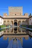 Tour antique dans le palais d'Alhambra en Espagne Image stock
