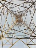 Tour : au-dessous du regard de la tour photographie stock