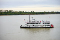 Tour boat on Mississippi river Royalty Free Stock Photography