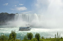 Tour boat near Niagara Falls Royalty Free Stock Images