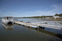 Free Tour Boat On Landing Stage Florida USA Royalty Free Stock Images - 81482949