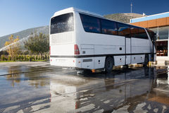 Tour Bus hosing Royalty Free Stock Photography