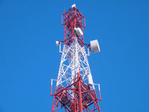 Tour cellulaire d'émetteur Images stock