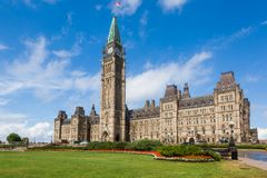 Tour centrale de bloc et de paix sur la colline Ottawa du Parlement image stock