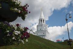 Tour centrale et entrée principale à Kazan le Kremlin - Spasskaya Photos libres de droits