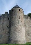 Tour conique de vieux mur de la défense, château de Carcasson image libre de droits