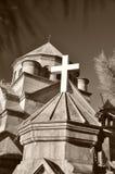 Tour d'église arménienne de la Crimée Yalta avec une croix Image stock