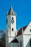 Tour d'église blanche Images stock