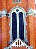 Tour d'église construite avec la brique Photos libres de droits