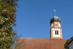 Tour d'église dans Prittiching, Allemagne photo libre de droits