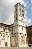 Tour d'église de San Michele in foro à Lucques Photographie stock