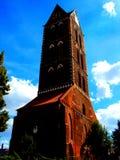 Tour d'horloge à l'église gothique chez Wismar, Allemagne Photos libres de droits