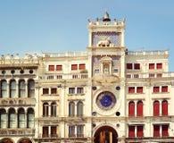 Tour d'horloge à Venise, Italie Vallon Orologio de Torre Images libres de droits