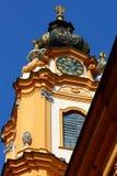 Tour d'horloge dans l'abbaye de Melk, été de l'Allemagne 2011 Photographie stock libre de droits