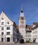 Tour d'horloge de Zytturm dans la ville de Zug Photo libre de droits