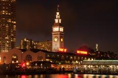 Tour d'horloge du bâtiment de ferry photo libre de droits