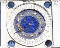 Tour d'horloge du ` s de St Mark sur Piazza San Marco, visage d'horloge, Venise, Italie Photo libre de droits