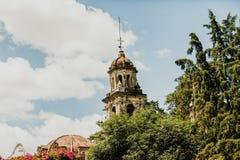 Tour d'une église mexicaine à Mexico photo stock
