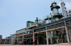 Tour dans l'usine pétrochimique Images libres de droits