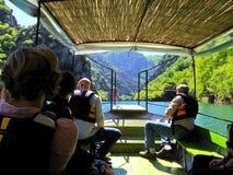 Tour de bateau de canyon au printemps Photographie stock