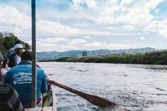 Tour de bateau de Hozugawa à Arashiyama Image stock
