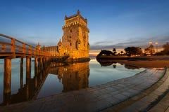 Tour de Belem à Lisbonne au coucher du soleil Photos stock