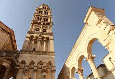 Tour de Bell de la cathédrale de Domnius de saint dans la fente, Croatie photo libre de droits