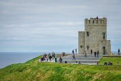 Tour de Briens de ` d'O aux falaises de Moher, Irlande Photos libres de droits