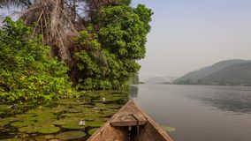 Tour de canoë en Afrique clips vidéos