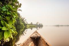 Tour de canoë en Afrique Photographie stock libre de droits