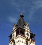 Tour de château avec l'horloge Photo libre de droits