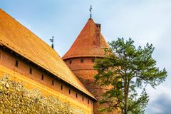 Tour de château. Trakai, Lithuanie Photos stock