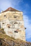 Tour de citadelle de Rasnov à la lumière du jour image stock